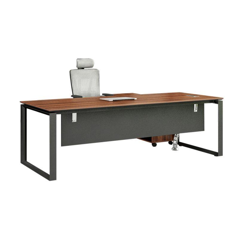 שולחן משרדי בצורת מנהלים