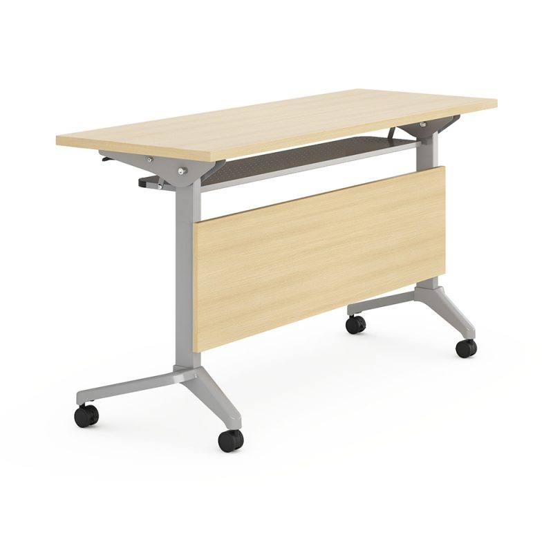 שולחן אימונים בשולחן המשרד
